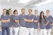 Team der Zahnmedizinischen Praxis Klinik Prof. Dr. Hassel und Dr. Hunecke in Mannheim