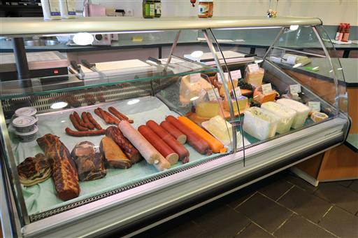 Wurst, Schweinefleisch und Käse - Walter's Hoflädele