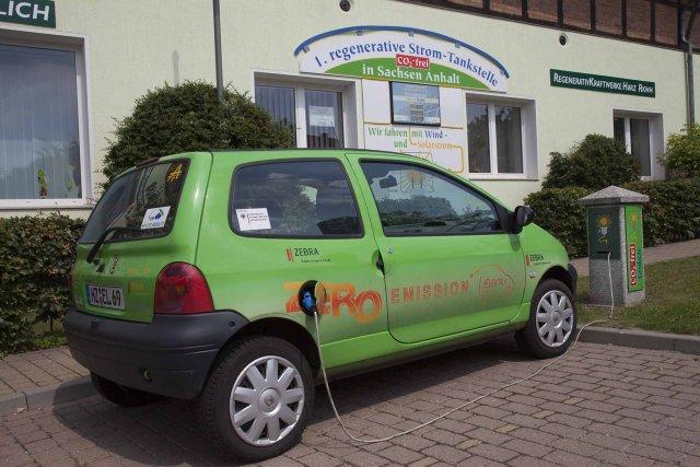 Firmengebäude Elektrotankstelle Windpark Druiberg